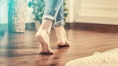 Gazdaságos fűtés nyaralókba, amely távolról is vezérelhető Natural Flooring, Solid Wood Flooring, Engineered Wood Floors, Best Flooring, Types Of Flooring, Flooring Options, Traditional Radiators, Eco Friendly Flooring, Matte Painting