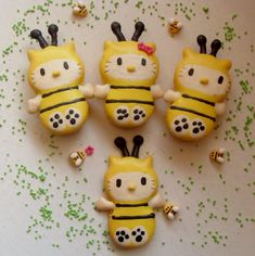 Kawaii foods Bzzzz... Hello Kitty Bee macarons