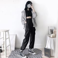 All-black black out Korean aesthetic black clothing outfit soft girl aesthetics ulzzang fashion L e l i a L' a r t K Fashion, Korean Girl Fashion, Korean Fashion Trends, Kpop Fashion Outfits, Ulzzang Fashion, Korean Street Fashion, Black Girl Fashion, Edgy Outfits, Kawaii Fashion
