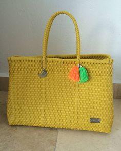 Ordena tus #bolsas y más artículos en nuestra tienda en línea: http://ift.tt/1TmnyMJ
