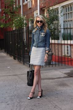 Denim + Chanel by http://tupersonalshopperviajero.blogspot.com.es/2012/06/5-estilos-para-el-denim.html