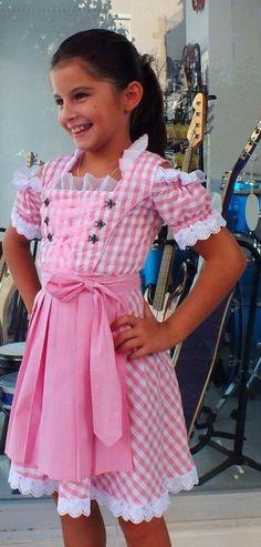 Sweet #dirndl dress in white and pink ---- #Maedchendirndl in rosa/weiss