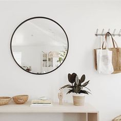 Loving this entryway shared by @almostmakesperfect featuring the Umbra Hub Mirror. Find more entryway staples on Umbra.com