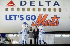 Delta made a Let's Go Mets jet!
