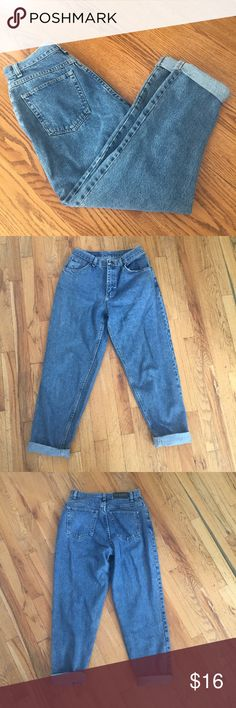 Vintage Gitano High Waist Pants Waist 27 in. Inseam 29 in (pants uncuffed). Front rise is 11.5. Great condition! Please ask if you have any questions :) Gitano Jeans