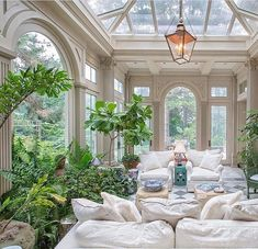 Some people call it a sunroom, others a solarium. . . A dreamy solarium indeed. Photo by @kurt_johnson_photography  via @nataliereddell…