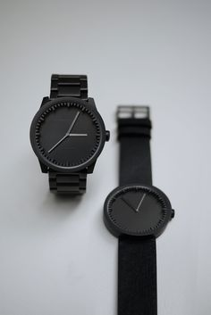 The LEFF amsterdam unisex Tube Watch S38 is part of the new Tube collection designed by Piet Hein Eek. The precisely cut ring and high quality materials give this wristwatch its refined, yet tough and industrial character.