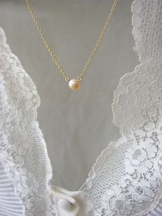 Pink pearl golden necklace delicate