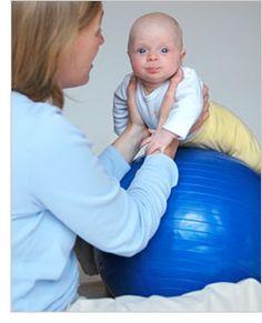 2 juegos para estimular el desarrollo de bebés de 3 meses y 2 semanas.