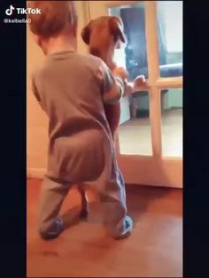 Cute Dogs, Cute Babies, Stupid Funny Memes, Funny Stuff, Start Online Business, Cute Baby Videos, Dogs And Kids, Cringe, Couple Photos