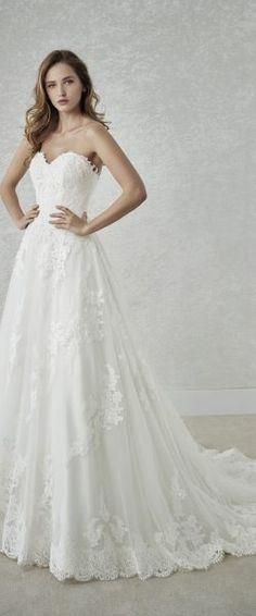 gefunden bei Happy Brautmoden Brautkleid elegant, elegantes Brautkleid, White One, Spitze, Spitzenkleid, edel, elegant, fließend, Rückenausschnitt, Hochzeitskleid, romantisch