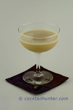 KRAKEN ALEXANDER - A modern version of the classic Alexander cocktail. A tasty rum delight in every sip. Cocktail Recipes, Cocktails, Drink Recipes, Pirate Drinks, Kraken Rum, Dessert Shots, Blended Drinks, Pudding Shots, Tequila Sunrise