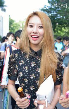 BESTie - Song DaHye super cute blouse
