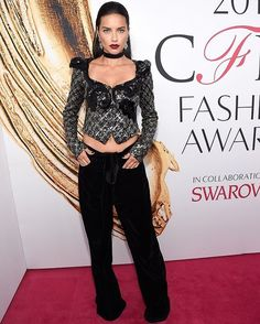 Adriana Lima wearing Marc Jacobs Fall '16 to the 2016 CFDA Awards