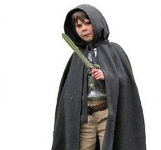 This page will answer what you need to know to make a very credible Hobbit Costume for Halloween, Parties or Fantasy Conventions. In just 6 easy...