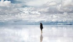 The world's largest salt flat, Salar de Uyuni, is located in Southwest Bolivia. At square kilometers square miles), the Salar de Uyuni becomes… Giant Mirror, Huge Mirror, Bolivian Salt Flats, Mysterious Places On Earth, Lake Hillier, Natural Mirrors, Andes Mountains, Natural Wonders, Beautiful World