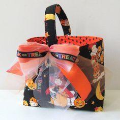 Not so scary Halloween trick or treat bag! | Disney Ideas ...