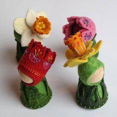 Tulip and daffodil Waldorf inspired flower pegdolls by TinyFairyWorlds.