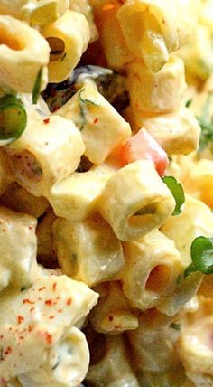 This Deviled Egg Macaroni Salad is creamy and loaded with hard boiled eggs. Quick and delicious and the perfect addition to any meal. Everyone seems to love this Deviled Egg Macaroni Salad. == CLICK THROUGH TO SEE! Pasta Dishes, Food Dishes, Side Dishes, Sauce Pizza, Cooking Recipes, Healthy Recipes, Cooking Tips, Cooking Broccoli, Healthy Food