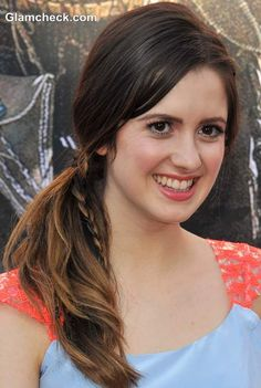 Laura Marano wore her locks in a side ponytail. What was different about it was that a single braid snaked its way through the ponytail, imparting texture to the do. Braided Hairstyles Updo, Easy Braided Updo, Crochet Braids Hairstyles, Down Hairstyles, Pretty Hairstyles, Laura Marano, African American Braids, Twist Braids, Twists