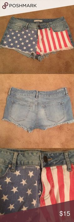 USA jean shorts It's never too early to start planning for the summer. These short shorts are cute and perfect for the 4th of July! Bullhead Shorts Jean Shorts