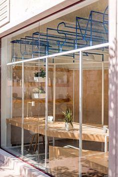 PKMN Architectures . Tourist Office . Alcázar de San Juan  (8) bar restaurant winkel etalage uithangbord transparantie gevel