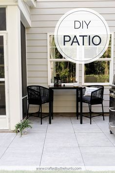 Looking for DIY patio ideas on a budget? Look no further than a porcelain patio using pavers! This high style is comparable to other pavers in terms of cost. Learn how to DIY this patio now. Fresco, Diy Concrete Patio, Concrete Paver Patio, Outdoor Patio Pavers, Paver Sand, Patio Decorating Ideas On A Budget, Porch Decorating, Outside Patio, Backyard Patio Designs