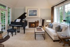How To Arrange The Grand Piano In Room Interior Design: Fascinting Family Room With Black Piano Setting