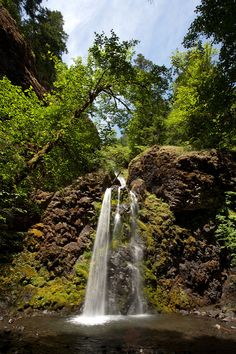 This Southern Oregon Waterfall Road Trip is The Perfect Getaway Crater Lake National Park, National Parks, Places To Travel, Places To See, Oregon Waterfalls, Best Campgrounds, Falls Creek, Small Waterfall, The Perfect Getaway