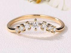 V Shape Curved Wedding Eternity Band  #weddingband #eternityband #vshapering #hkjweddingring #bridaljewelry #madetoorder #moissaniteweddingband #moissanitering #moissaniteband #eternityband @halfeternityband