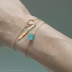 Einheit Link Armband  zierliche Gold oder Silber von LayeredAndLong