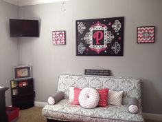 Project Nursery - Custom Grey, White and Pink Futon Cover and Pillows. I love the wall decor Futon Sofa Bed, Mattress Couch, Pillows, Bedroom Layouts, Bedroom Ideas, Diy Bedroom, Nursery Ideas, Dahlias