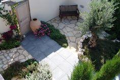 Nice garden in Mediterranean style. Outdoor Rooms, Outdoor Decor, Flagstone, Mediterranean Style, Garden Inspiration, Garden Ideas, Landscape Design, Home And Garden, Patio