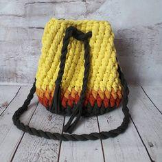 РАСПРОДАЖА сумочек в наличии, эту торбу можете приобрести по цене 800 руб. #вяжукрючком #торбаизтрикотажнойпряжи #торба #сумкаизтрикотажнойпряжи #трикотажнаяпряжа #распродажа #вяжуназаказхабаровск #трикотажнаяпряжахабаровск #ручнаяработаназаказ #рукоделиехабаровск