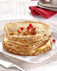 Gâteau de crêpes à la châtaigne, poires et noix