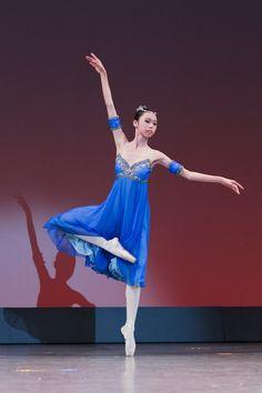 Ballet Exhibition 2011 | バレエ・アカデミー RELEVÉ(ルルベ) Tutu Costumes, Costume Ideas, La Bayadere, Dance Academy, Dance Fashion, Ballet Skirt, Skirts, Fashion Plates, Tutus