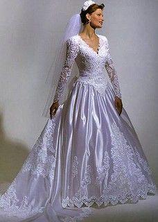 Gorgeous Wedding Dress, Beautiful Dresses, Bridal Dresses, Wedding Gowns, Vintage Gowns, Vintage Bridal, Types Of Dresses, Bridal Style, Retro