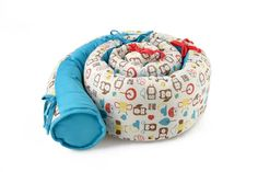 Organic Tummy-Time Snake A useful extra long pillow, perfect for tummy time or toddler play. Tummy time for babies is important for developing head control. Baby Cot Bumper, Bed Bumpers, Baby Crib Bedding, Baby Pillows, Baby Bunting Bag, Turquoise Pillows, Red Turquoise, Baby Tummy Time, Baby Snakes
