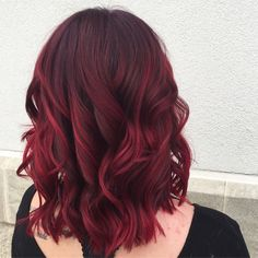 Shaggy Blonde Waves - 40 Picture-Perfect Hairstyles for Long Thin Hair - The Trending Hairstyle Deep Red Hair Color, Cherry Hair Colors, Red Ombre Hair, Dark Red Hair, Hair Color And Cut, Face Shape Hairstyles, Up Hairstyles, Pretty Hairstyles, Long Thin Hair