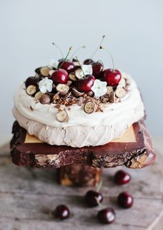 Pavlova~A Typical Australian special dessert Fruit Recipes, Sweet Recipes, Cake Recipes, Dessert Recipes, Cookbook Recipes, Just Desserts, Delicious Desserts, Yummy Food, Food Cakes