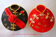 Adorable Tradtional Chinese Clothing Cupcakes, http://hative.com/traditional-chinese-wedding-ideas/