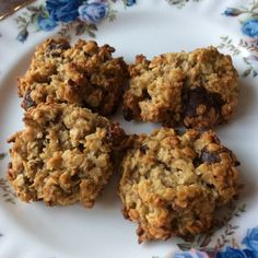 Haferflockenkekse mit Honig und Nüssen Oatmeal biscuits with honey and nuts, a great recipe from the baking category. Pancake Healthy, Best Pancake Recipe, Healthy Sweets, Healthy Dessert Recipes, Keto Snacks, Healthy Baking, Easy Cake Recipes, Great Recipes, Cookie Recipes