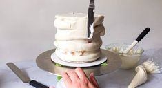 How to Fill, Stack & Crumb Coat a Layered Cake - XO, Katie Rosario Creative Cake Decorating, Cake Decorating Supplies, Cake Decorating Techniques, Creative Cakes, Fondant Flower Cake, Rosette Cake, Fondant Cakes, Fondant Bow, Fondant Tutorial