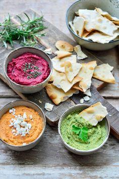 Pesto Hummus, Tapas Recipes, Gourmet Recipes, Appetizer Recipes, Healthy Cooking, Healthy Snacks, Healthy Recipes, Mini Sandwiches, Pain Garni