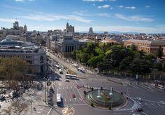 Así se ve #Madrid desde la azotea del Palacio de Correos un día de primavera #CallejeandoMadrid Feliz domingo!!! pic.twitter.com/NZeVz3Eu0n