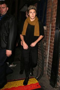 Niall in a scarf