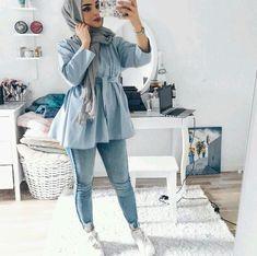 nice blue hijab look Hijab Casual, Hijab Style, Hijab Chic, Islamic Fashion, Muslim Fashion, Modest Fashion, Hijab Fashionista, Hijab Dress, Hijab Outfit
