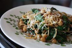 Spaghetti with Chickpeas Spinach - recipe - 1