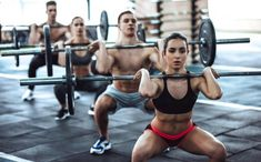 2019 fitness trends: group training, shorter classes lure people to healthy lifestyle Fitness Workouts, Fitness Motivation, Cardio Gym, Workout Fitness, Smoothies Banane, Trainer, Weight Loss Supplements, Female Athletes, Physical Fitness