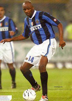 Patrick Vieira of Inter Milan in Football Cards, Football Players, Baseball Cards, Patrick Vieira, Everton Fc, Mobile Wallpaper, 2000s, Milan, Legends